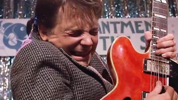 michael-j-fox-johnny-b-goode-back-to-the-future