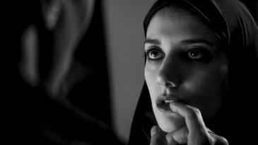 filmstill-girl-walks-home-alone-night-vand